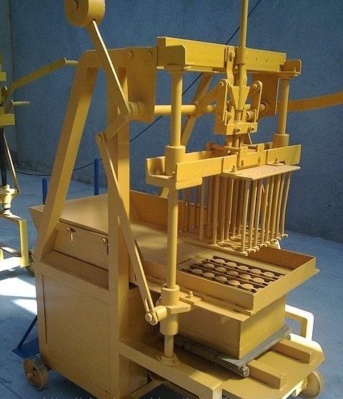 MG 2.1 Manual Brick Molder