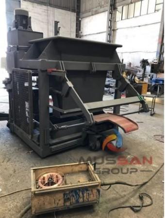 Brick manufacturer machine